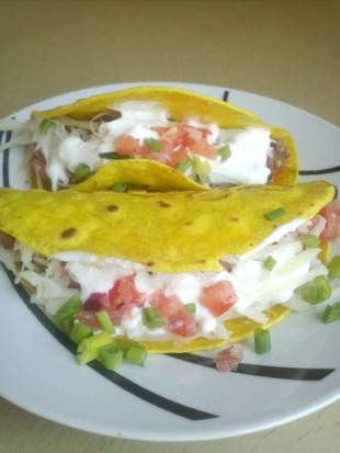Darálthúsos, babos taco salsával
