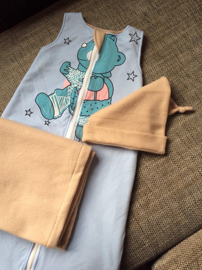 Alvós szett babáknak (bélelt hálózsák, takaró, manó sapka) DIY